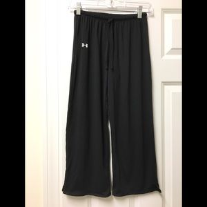 Awesome 😎 Under Armour relaxed 😌 capris!